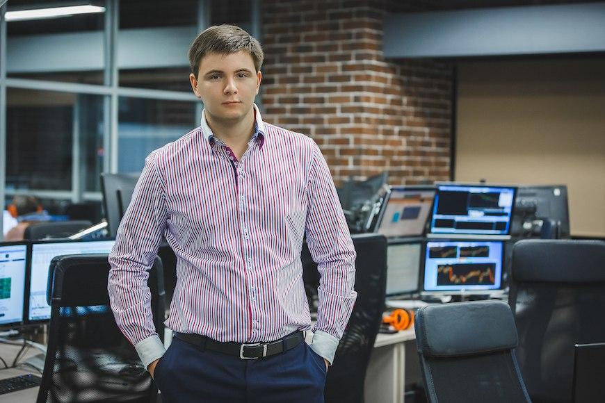 Алексей Марков, 28 лет, ведущий трейдер компании United Traders.